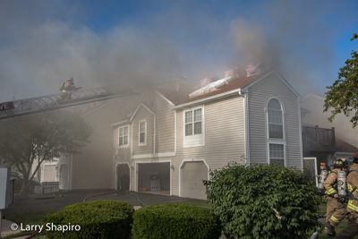 Buffalo Grove FD townhouse fire 681 Le Parc Circle 6-20-17 Shapirophotography.net Larry Shapiro photographer E-ONE Typhoon fire engine at work
