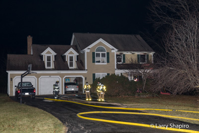 house fire at 45 Gentry Drive in Hawthorn Woods IL 12-18-17 Lake Zurich FD