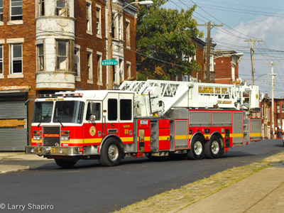 Philadephia FD Ladder 22 KME