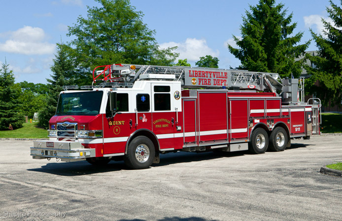 Libertyville Fire Department Quint 462 Pierce Velocity