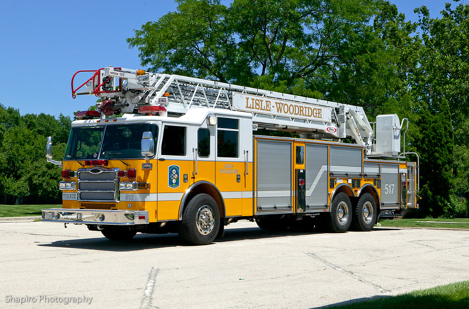 Lisle Woodridge FPD Pierce Dash 105' aerial