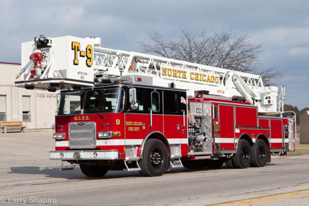North Chicago Fire Department 2009 Pierce Arrow XT 85' tower ladder