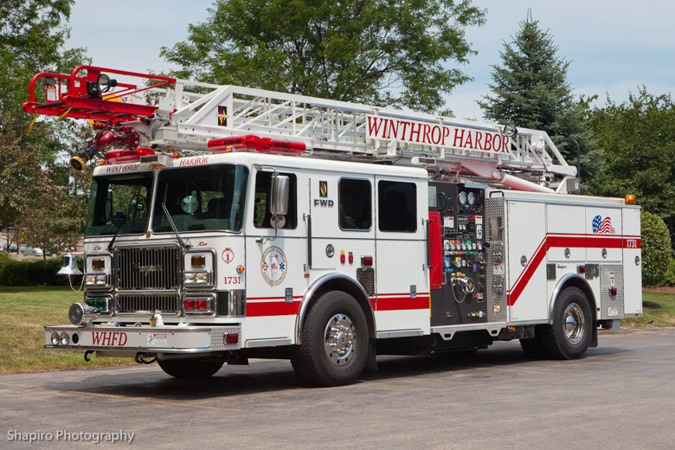 winthrp Harbor Fire Department Quint 1731 Seagrave Mean Stick