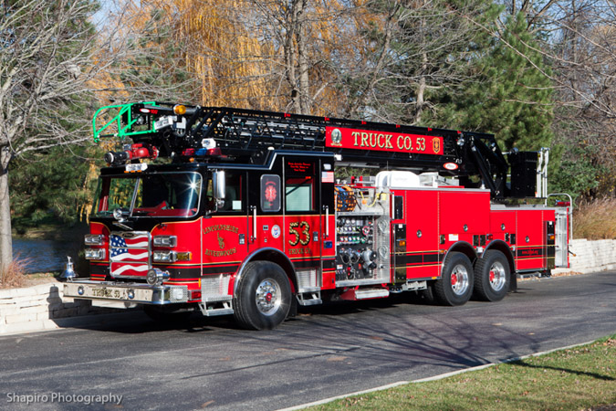 Linclnshire Riverwoods FPD Truck 53 Pierce Arrow XT quint