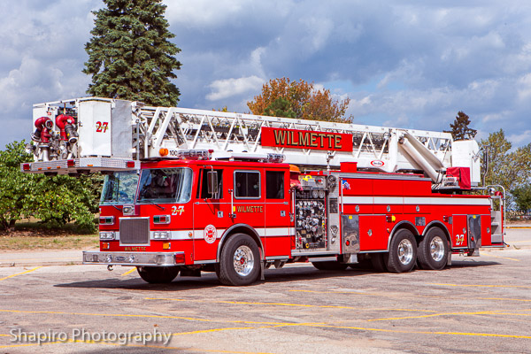 Wilmette Fire Department apparatus photos pictures of fire trucks Larry Shapiro photography